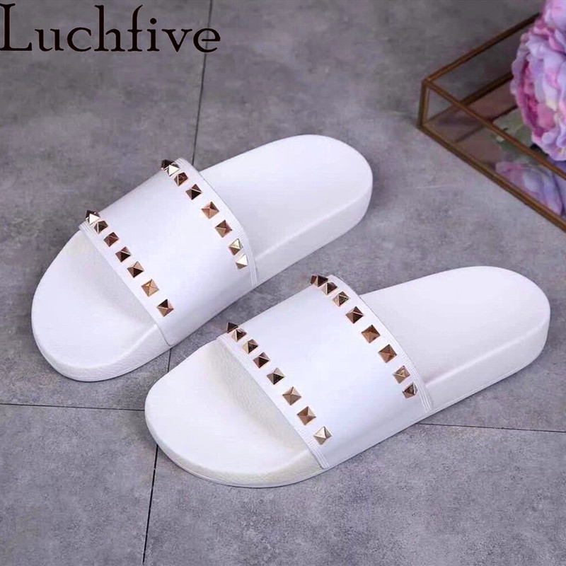 Luchfive Metal Rivets Slippers Summer PVC Open Toe Waterproof Outdoor Runway Concise Design Flat Slippers Women Black WhiteLuchfive Metal Rivets Slippers Summer PVC Open Toe Waterproof Outdoor Runway Concise Design Flat Slippers Women Black White