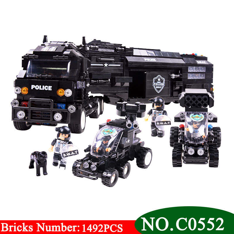 SWAT Police Command Truck w// 8 Figures /& Jeep Compatible Building Bricks 1492pcs