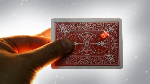 Paul Harris Presents Starlight (Gimmick+online Instruct) - Magic Trick,Illusion,Fantasy,Card Magic,Fun,Close Up,Mind,Stage