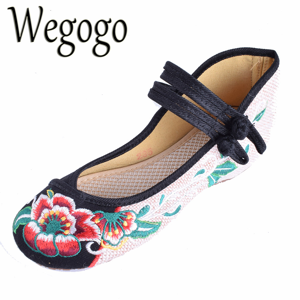 2017 New Women's National Retro Old Peking Hibiscus Floral Flat Heel Canvas Flats With Flower Embroidery Soft Dance Shoes vintage embroidery women flats chinese floral canvas embroidered shoes national old beijing cloth single dance soft flats