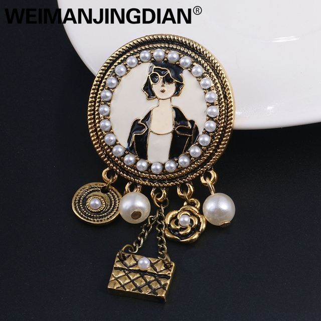 WEIMANJINGDIAN di Colore Oro Antico Placcato Vintage di Modo di Stile Della Signora Spilla Spilli con Perle Simulate
