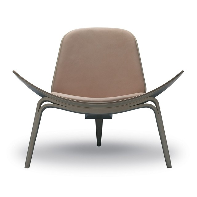 CH07 Shell Chair / Smile Tripod Shell Chair / Hans J. Wenger Hans Wegner