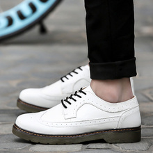 2016 Retail and Wholesales High Quality Men's Women's Casual Shoes Brogue Shoes With Comfortable Sole Martin Shoes For Lovers