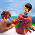 Brinquedo Complicado Brinquedo da novidade Anime Pirata Crianças engraçado jogo ABS Piggy banco Pirata Barrel tamanho Grande para crianças e adualt Inserção Espada jogo