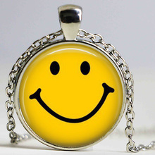Classic Yellow Smiley Face Necklace Be Happy Emoticon Retro Pop Art Pendant Statement Choker Necklace Men Women Fashion Jewelry