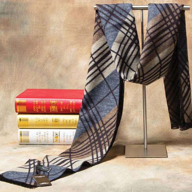 2017 New Brand Winter Cashmere Plaid Scarf Men Fashion Design Warm Silk Shawl Scarves Male Hight quality Men Scarfs