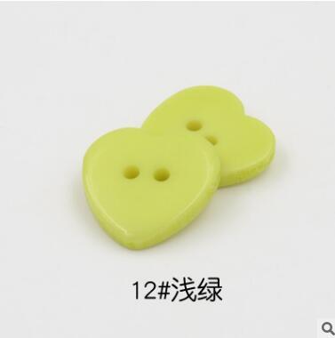 Красивые 1 лот = 100 шт полимерные кнопки в форме сердца 2 отверстия пластиковые кнопки Швейные аксессуары для одежды DIY для детской одежды кнопка мешок - Цвет: 12-ligth green