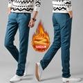 2016 nuevos hombres otoño invierno Pantalones calientes flocado caliente suave lana caliente pantalones vaqueros de diseño de marca para hombre pantalones