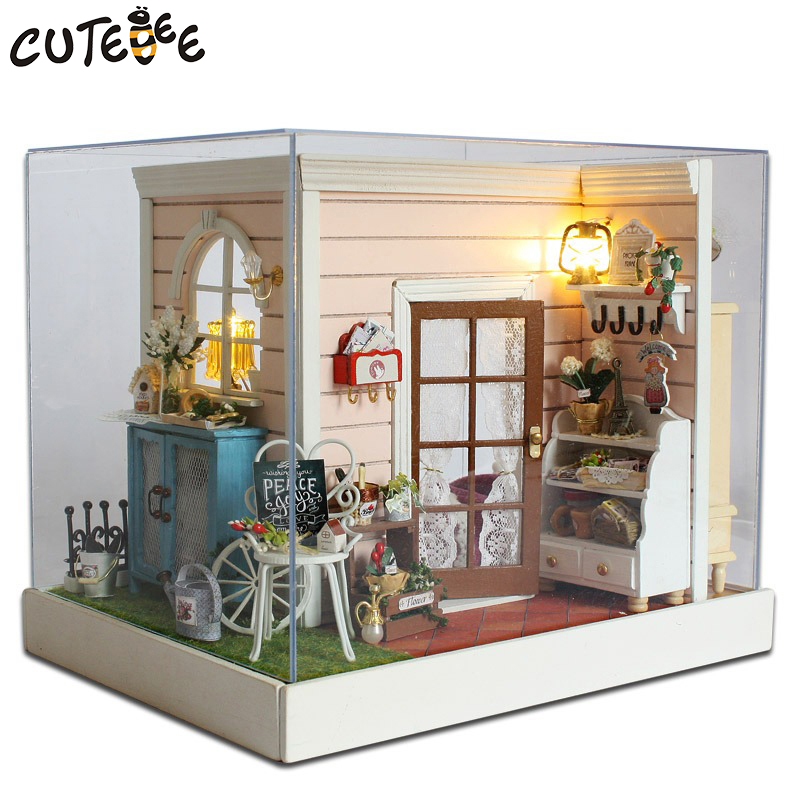 CUTEBEE Doll House Miniature DIY Dollhouse With Furnitures Wooden House  Toys For Children Birthday Gift  Z-001