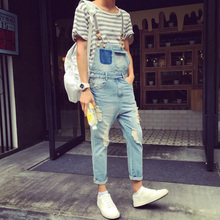 The Japanese men's suspender pants nine personality couple tooling jeans male slim hole jeans in summer