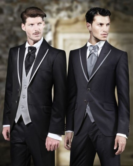 New Arrival men tuxedos 2018 Classic Fit tuxedos for men Jacket+Pants+Tie+Vest a set Groom Tuxedos groomsmen Suits wedding suits