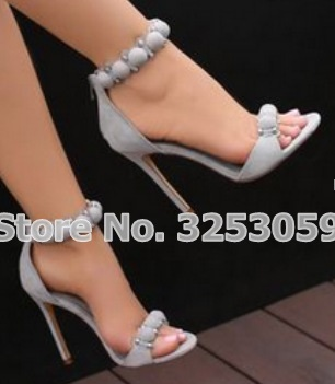 ALMUDENA/дизайнерская обувь; женские летние сандалии с шипами и пуговицами; Украшенные высокие каблуки; туфли лодочки на шпильке с помпонами - 4