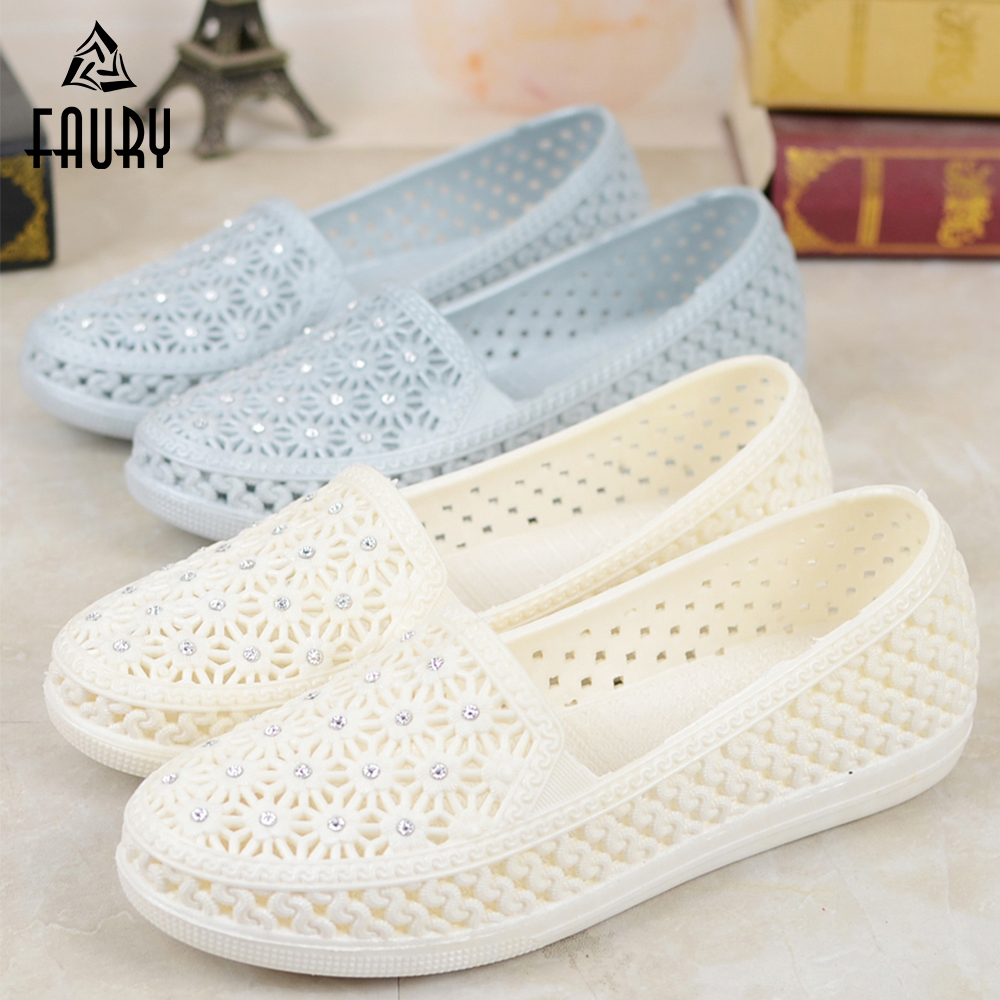 New Arrival Nurse Shoes Soft Bottom Breathable Women's Medical Shoes Dental Hospital Clog Lab Work Shoes Medical Accessories