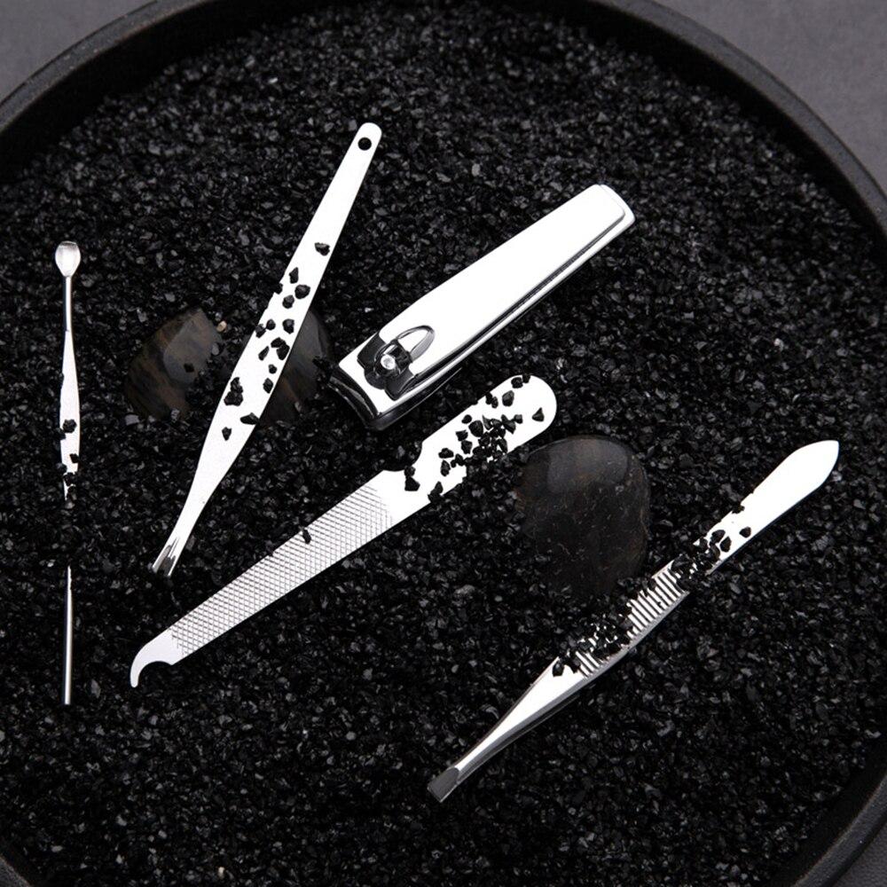 أدوات العناية بالجمال 5