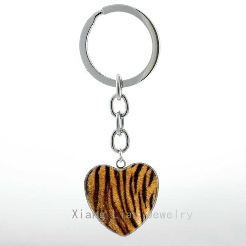 Fresco selvagem animal Da Pele do Tigre da foto Do Coração Pingente chaveiro anel interessante de Pele De Tigre pture metal keychain presente de Casamento H69