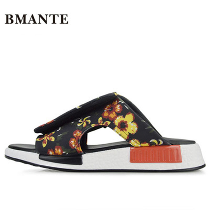 Summer Shoes Rome Fashion Flat Concise Luxury Slippers Men Print Flower Sandals Spring New Men Appliques Beach Casual Slippers flower print flat sliders