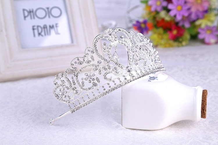 HTB1fAUXLXXXXXazXFXXq6xXFXXXa Glamorous Wedding Pageant Prom Rhinestone Crystal Crown For Women - 5 Colors