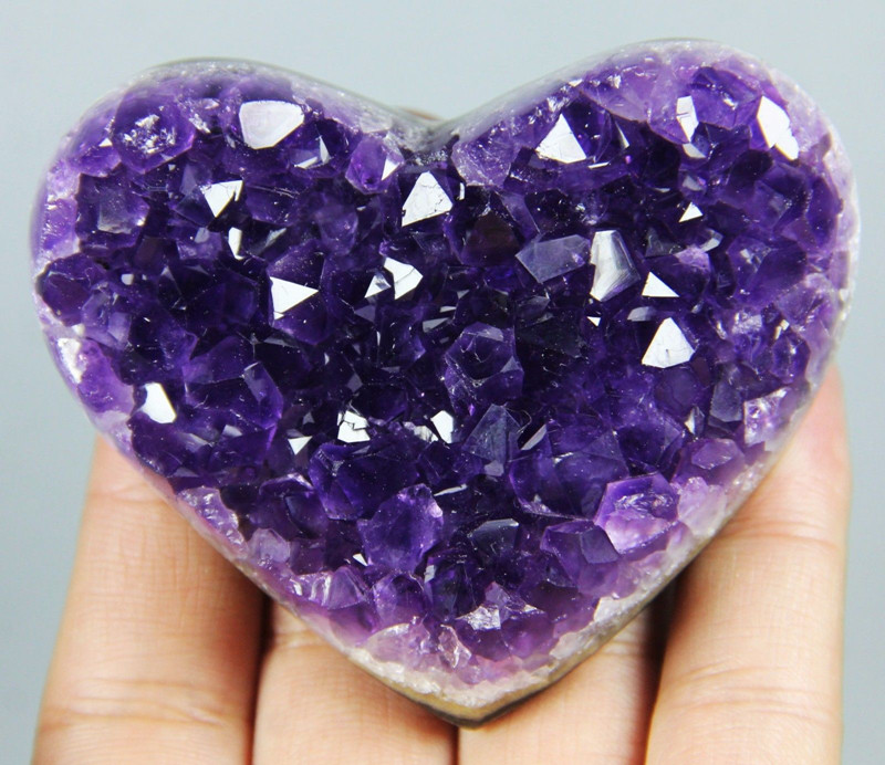 URUGUAYAN AMETHYST GEODE CLUSTERS HEART CRYSTAL heart not with wood base