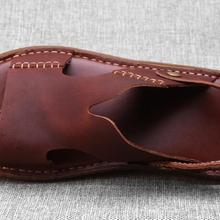 Летние сандалии; мужская кожаная дышащая Нескользящая пляжная обувь с вырезами; повседневные мужские тапочки с мягкой подошвой