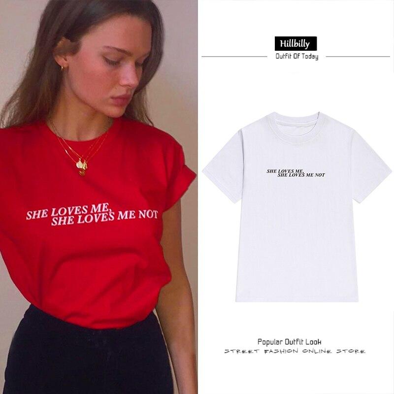 Hillbilly Neue 2017 Mode England Stil Rot Sie Liebe Mich Sie Liebe Mich Nicht Baumwolle T-shirts für Frauen Marke Lose tops & Tees D2-30