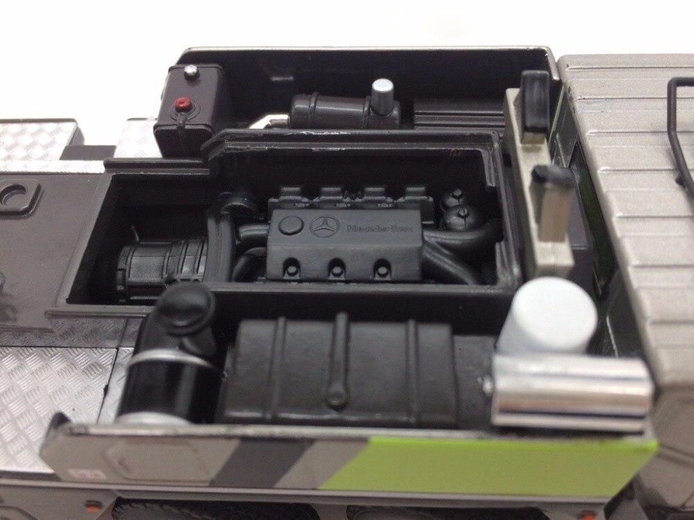 1:50 ZOOMLION QAY220V вездеходный кран