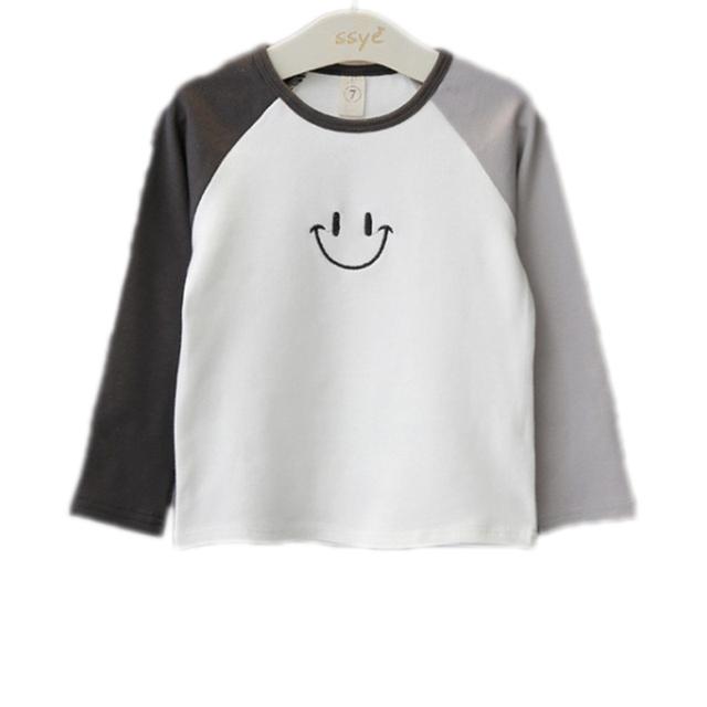 2016 Niños Del Otoño Del Resorte Niños de Manga Larga Patchwork Sonrisa Imprimir Casual Camiseta Del Niño Niños Camisetas 2-7años Niños Tops