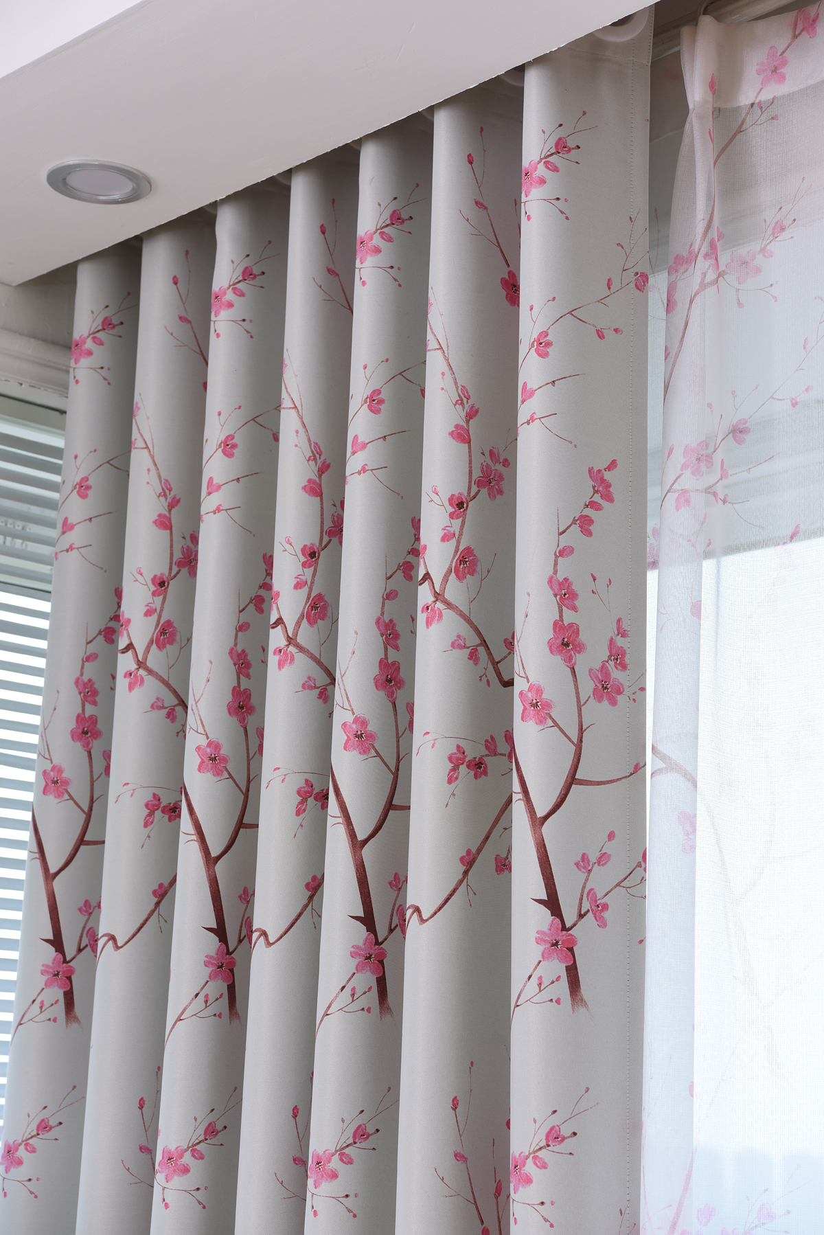 https://ae01.alicdn.com/kf/HTB1fBGtOpXXXXbXapXXq6xXFXXX8/MYRU-Japanse-dorp-stijl-landelijk-gordijnen-perzik-roze-kersenbloesems-schaduwdoek-gordijnen-slaapkamer-en-woonkamer.jpg