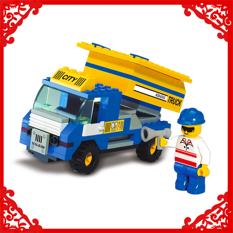 SLUBAN 300 Block City Series Garbage Truck Model 111Pcs DIY Educational  Building Toys For Children Compatible Legoe jie star fire ladder truck 3 kinds deformations city fire series building block toys for children diy assembled block toy 22024