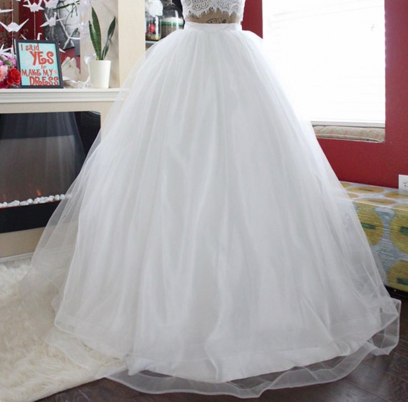 Bridal Wedding Skirt Ribbon Zipper Waistline A Line Floor Length Long Tulle Skirt Customized White Puffy Tulle Long Skirts