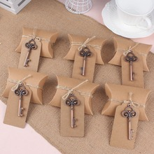 50Pcs Wedding Decoration Souvenirs Vintage Beer Opener Key with Paperboard Tag Card Party Gift Favors Event Party Decor Supplies