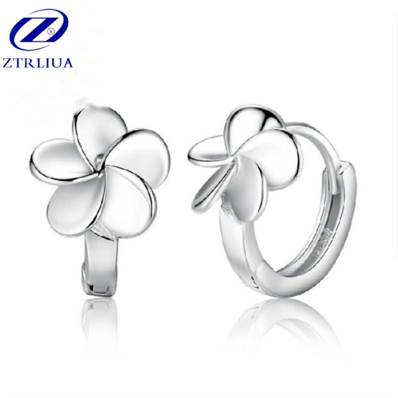 New Arrival Temperament Popular Silver Jewelry Personality Clover Fresh Flower Exquisite Dangle Earrings    SE271
