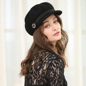 Image 2 - סתיו וחורף אישה מוצק צבע מתומן כובע גברת מסיבת אופנה 100% צמר הרגיש כובעי Newsboy