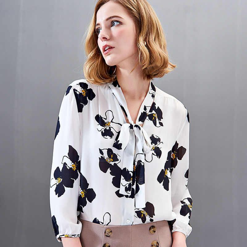 Женская блузка из натурального шелка с v образным вырезом и принтом весна 2019