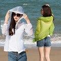 Verão mulheres de proteção solar clolor doces Ultra fina Jacket praia das senhoras protetor solar anti UV casaco com capuz zipper camisas transparentes