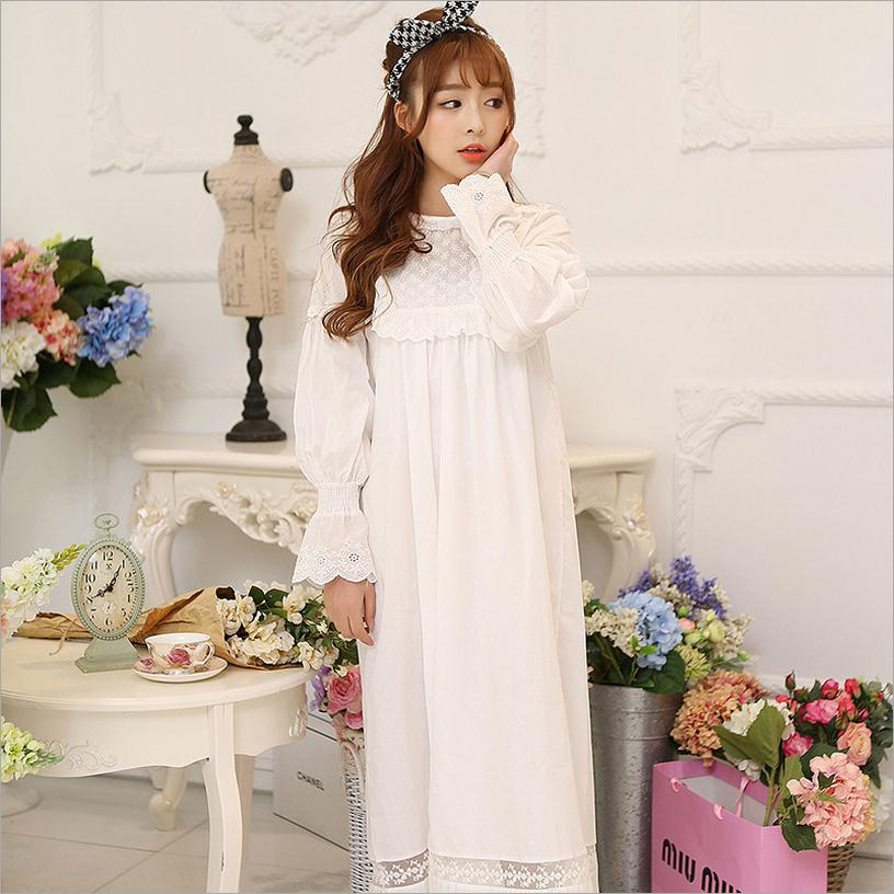 Wholesale 100% Cotton lace Lantern sleeve sleepwear 2017 autumn new retro white lace princess dress ladies nightdress W1038