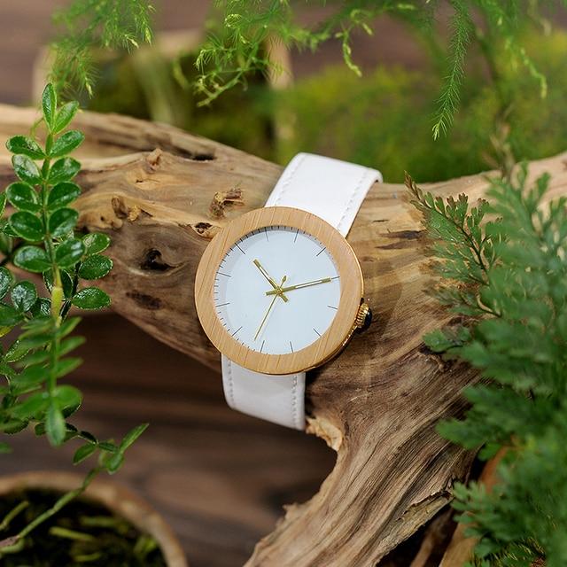 Reloj de madera y cuero pulso blanco 3