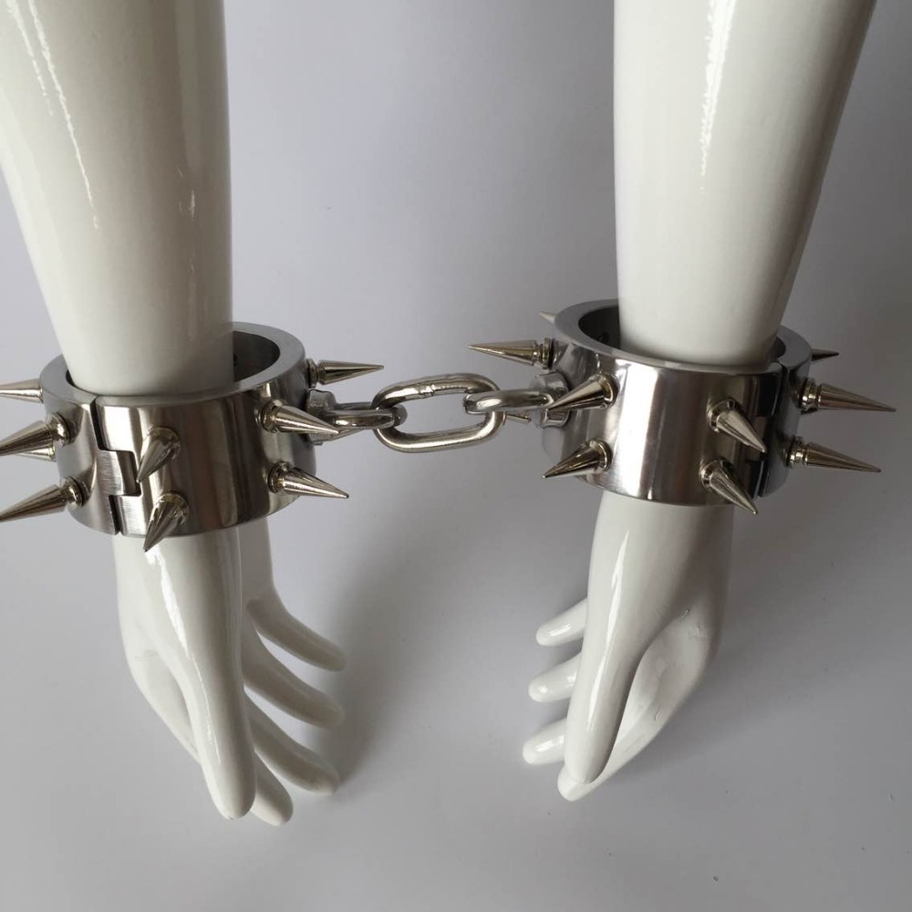 Hot Top stainless steel barbed nail hand cuffs bdsm fetish slave bondage handcuffs wrist restraints metal sex toys for adults stainless steel metal hand cuffs bdsm fetish wear bondage restraints handcuffs for sex erotic toys adult game sex toys for women