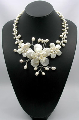 """Charm mother of pearl shell handmade pearl crystal 5flower pendant necklace 18/"""""""