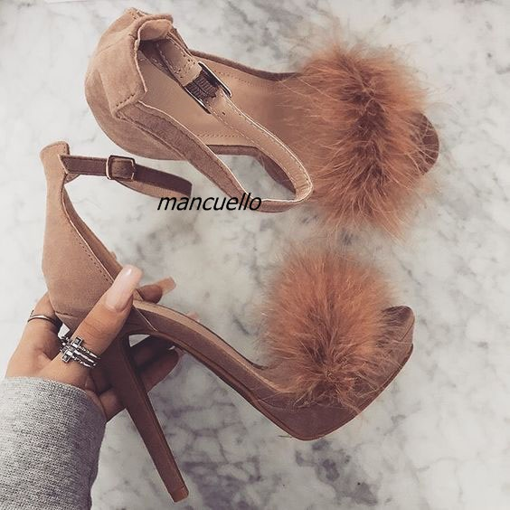 все цены на Trendy Line Buckle Style Platform Sandals Classy Brown Suede Fake Fur Decorated Stiletto Heel Dress Sandals Sexy Open Toe Shoes
