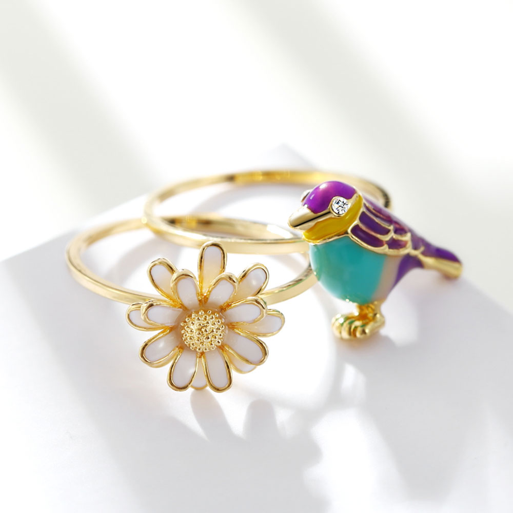 Qggle new design gold color magpie daisy flower ring for women high qggle new design gold color magpie daisy flower ring for women high quality alloy ring for girl brand fashion jewelry in rings from jewelry accessories on izmirmasajfo