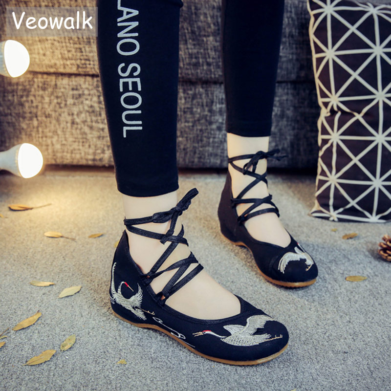 Veowalk Crane Embroidered Women Canvas Lace up Strappy Ballet Flats Chinese Style Ladies Casual Cotton Fabric Embroidery Shoes crane embroidered sweatshirt