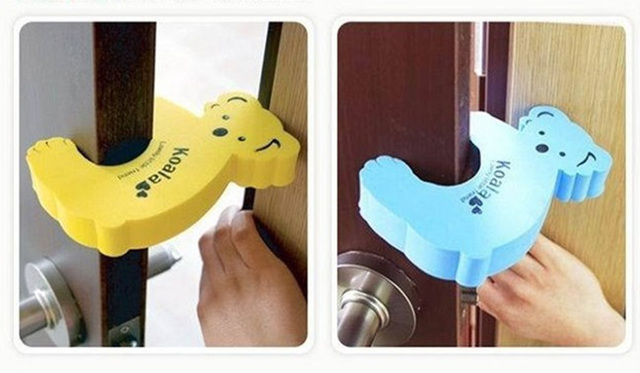 5pcs/lot Baby Safe Doorways Finger Pinch Guard Fence Lock The Stopper For Doors Baby Protector Cartoon Kids Safety Doorway