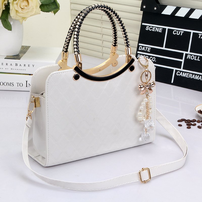 2017 new Luxury simple shells leather handbag Famous brands designer female tide knitting shoulder bag women Messenger bag
