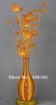 Luminaires décoratifs façonnés comme cadeaux de noël