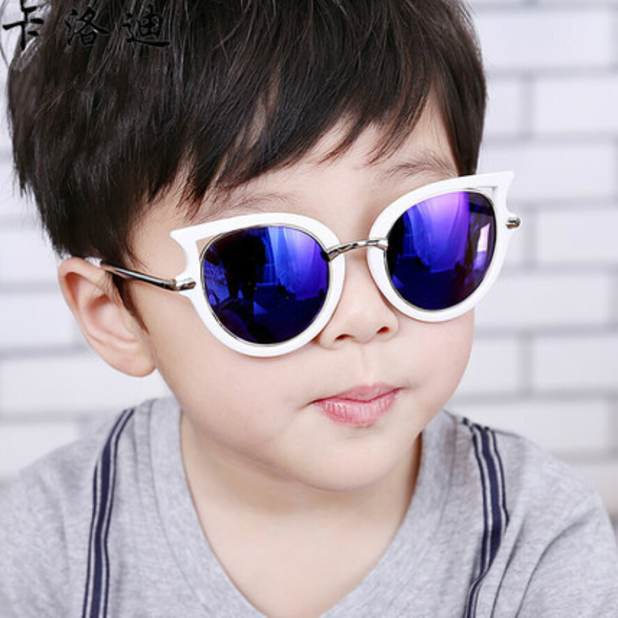 29e3f6d7dc49 High Quality Cool Uv400 Polarized Kids Sunglasses Girls Boys Suit For 4 12  Ages Children Car Box Free Send Cat Eye Sun Glasses-in Sunglasses from  Mother ...