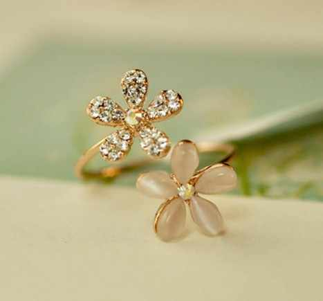 Korean Opal adjustable female flowers Crystal ring of small daisy opening