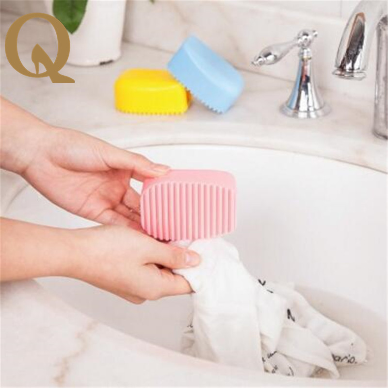 2017 most popular hand holding candy color silica gel laundry brush soft do not hurt clothes wash clothes brush laundry helper