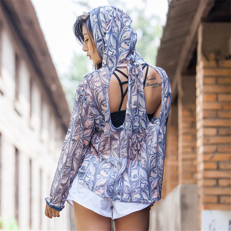 Womens Long Sleeve Loose Cutout Back Cute Romantic Tribal Pattern Printed Yoga Top Workout Clothes Running Sports T-Shirt