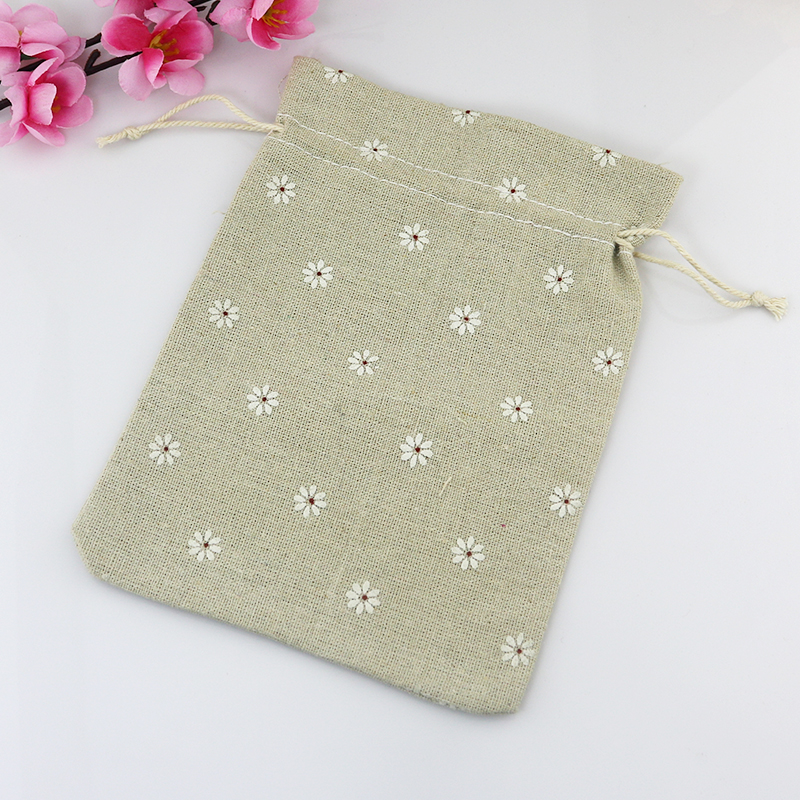 (50pcslot) Linen Cotton Drawstring Bag Jewelry packaging Bag Decorative bags ChristmasWedding Favors Gift Bag Pouches 10x14cm