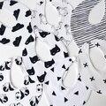 2016 новый 100% хлопок новорожденные мальчики детские нагрудники мультфильм животных накрест водонепроницаемый младенческой полотенце нагрудники рыгающие ткани